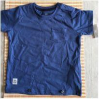 Camisa azul com bolso dianteiro e botões no ombro - 9 a 12 meses - Teddy Boom