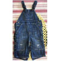 Macacão  (jardineira) jeans com marcas da moda - 9 a 12 meses - Baby Gap