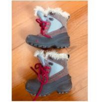 Vai levar sua pequena para neve? Veja essa bota North face. - 27 - The North Face
