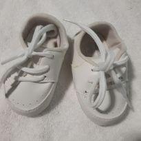Tenis pimpolho branco  tamanho 4 - 15 - Pimpolho