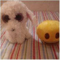 Pelucias cachorrinha e emoji
