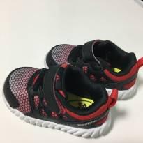 Tênis Adidas Vermelho Tamanho 4 (USA) - 19 - Adidas
