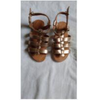 Sandalia Dourada - 31 - Não informada