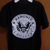 Camiseta ramones - 2 anos - Não informada