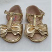 Sandália dourada - 19 - Molekinha