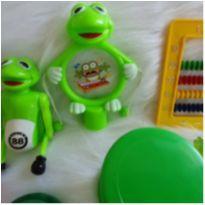 Desocupando o armário de brinquedos - lotinho 16 -  - Diversas