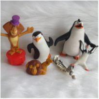 Desocupando o armário de brinquedos  Lote Madagascar -  - Diversas