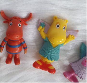 Desocupando o armário de brinquedos  - Lote Backyardigans - Sem faixa etaria - Diversas