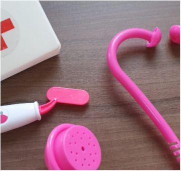 Desocupando o armário de brinquedos - Kit médica - Sem faixa etaria - Diversas