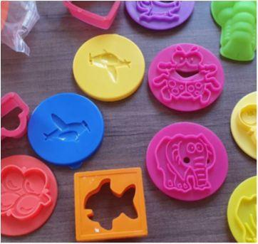 Desocupando o armário de brinquedos - Kit massinha - Sem faixa etaria - Diversas