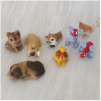 Desocupando o armário de brinquedos - Lote 21 -  - Diversas