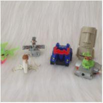 Desocupando o armário de brinquedos - Lote 31 -  - Diversas