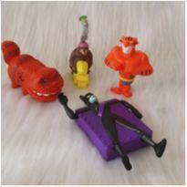 Desocupando o armário de brinquedos - Lote 52 -  - Diversas