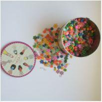 Latinha CHEIA de miçangas para fazer pulseirinhas e colares infantis =) -  - Artesanal