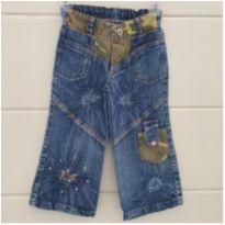 Calça jeans cheia de detalhes - 2 anos - etiqueta foi cortada
