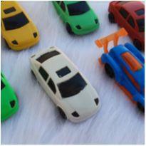 Desocupando armário de brinquedos - Lote carrinhos -  - Diversas