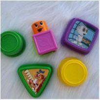 Desocupando armário de brinquedos - Brinquedos diversos -  - Diversas