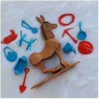 Desocupando armário de brinquedos - Cavalo Pinote Estrela -  - Estrela