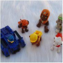 Desocupando armário de brinquedos - Lote patrulha canina -  - Diversas
