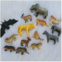 Desocupando armário de brinquedos - Lote animais -  - Diversas