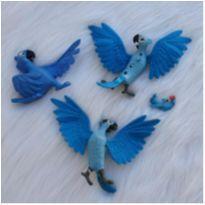 Desocupando armário de brinquedos - Lote araras filme RIO -  - Mc Donald`s