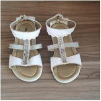 Sandália branca - 25 - Vitinha.