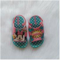 Sandália papete Minnie