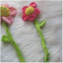 flores de pelúcia com hastes dobráveis