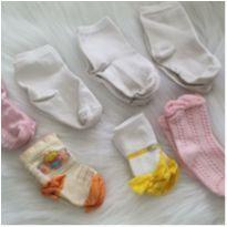 Lote meias bebê - 3 a 6 meses - Diversas