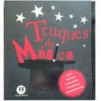 Livro - Truques de mágica: Com muitas atrações, truques e ilusionismos -  - Ciranda Cultural