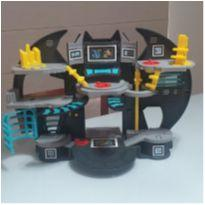 Imaginext BATMAM - Batcaverna -  - Imaginarium e Mattel