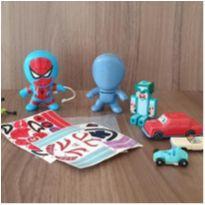8 brinquedos variados -  - Mc Donald`s e Outras