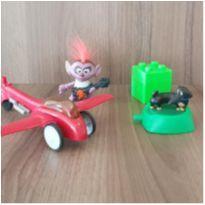 4 brinquedos diversos -  - Mc Donald`s e Outras