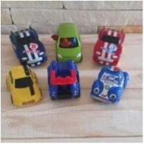 Lote brincand de carrinhos - 6 itens -  - Diversas