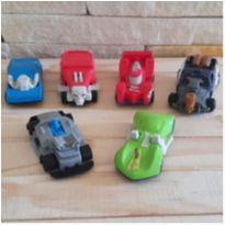 Lote brincando de carrinhos - 6 itens -  - Hot Wheels e Outras