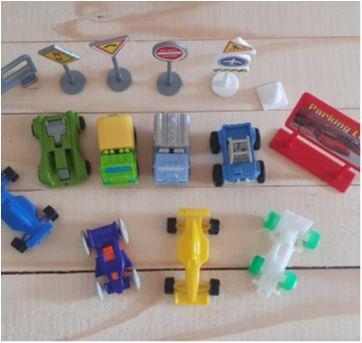 Lote brincando de carrinhos - 14 itens - Sem faixa etaria - Diversas