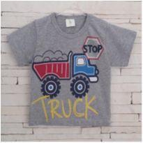 Camiseta cinza trator Tam. 2 menino - 2 anos - Marca não registrada