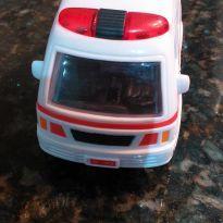 Ambulância de Brinquedo -  - Não informada
