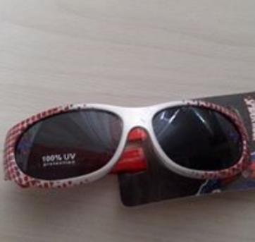 Óculos de sol do homem aranha Disney no Ficou Pequeno - Desapegos de ... 8e35aa2514