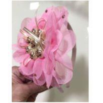 Tiara flor rosa -  - Não informada
