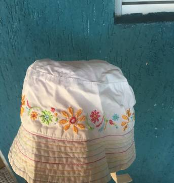 Chapéu de Praia Bordado - 18 meses - Gymboree
