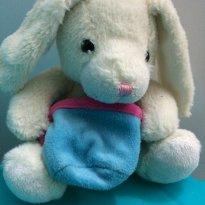 Coelhinho de pelúcia com cestinho para bebês -  - Não informada