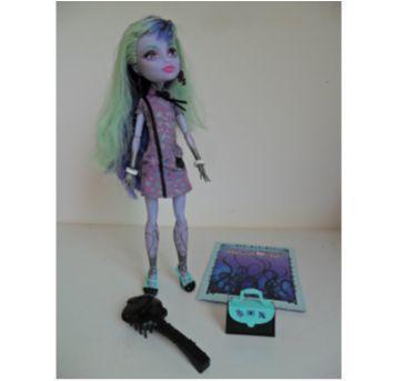 Boneca Monster High Twyla Boogeyman - Sem faixa etaria - Mattel