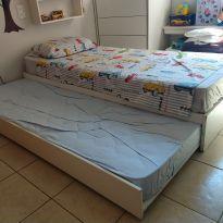 Cama compacta branca 2 lugares de solteiro com cama inferior retráctil e colchão -  - Tok Stok