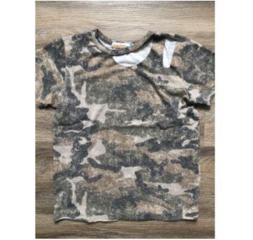 Camiseta camuflada importada - 8 anos - Importada