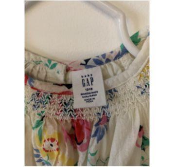 Vestido flores GAP - 12 a 18 meses - Baby Gap e carter`s, baby gap, zara