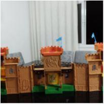 Super castelo medieval imaginext -  - Imaginext e Importado