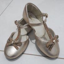 Sapato Dourado - 29 - Kimey
