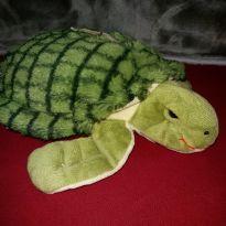 Tartaruga de pelúcia - desapego festa tema Fundo do Mar -  - Não informada