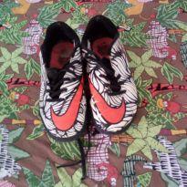 Chuteira Nike 2 (doação para quem comprar 1 ou mais produtos da lojinha) - 36 - Nike